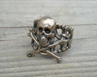 Vintage Silver Skull and Crossbones Filigree Ring Size 7 Skull Jewelry Gothic Goth Punk Rock n Roll Rocker Rock and Roll Heavy Metal Biker