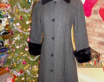 Vintage Stephanie Mathews Girls Wool Coat Faux Fur Collar Cuffs Victorian Dickens Inspired