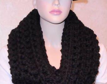 Black Crochet Infinity Scarf, Black Chunky Infinity Scarf, Infinity Scarf, Chunky Crochet Scarf, Infinity Scarf, Crochet Cowl, Winter Scarf
