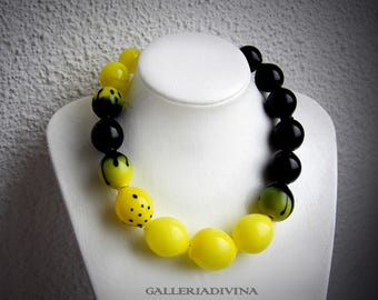 Blown glass rubber necklace -Glass bubbles - Spheres - black and yellow - statement necklace - Rubber necklace - Murano glass OOAK