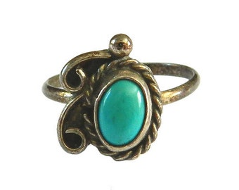 Vintage Sterling Silver and Turquoise Ring Size 5