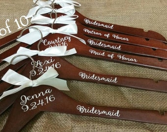 Personalized Wood Hanger for Bride and Bridal Party Set of 10/Wood Bridal Hanger/Wedding Hanger/Wedding Party Hanger/Bridesmaid Hanger/