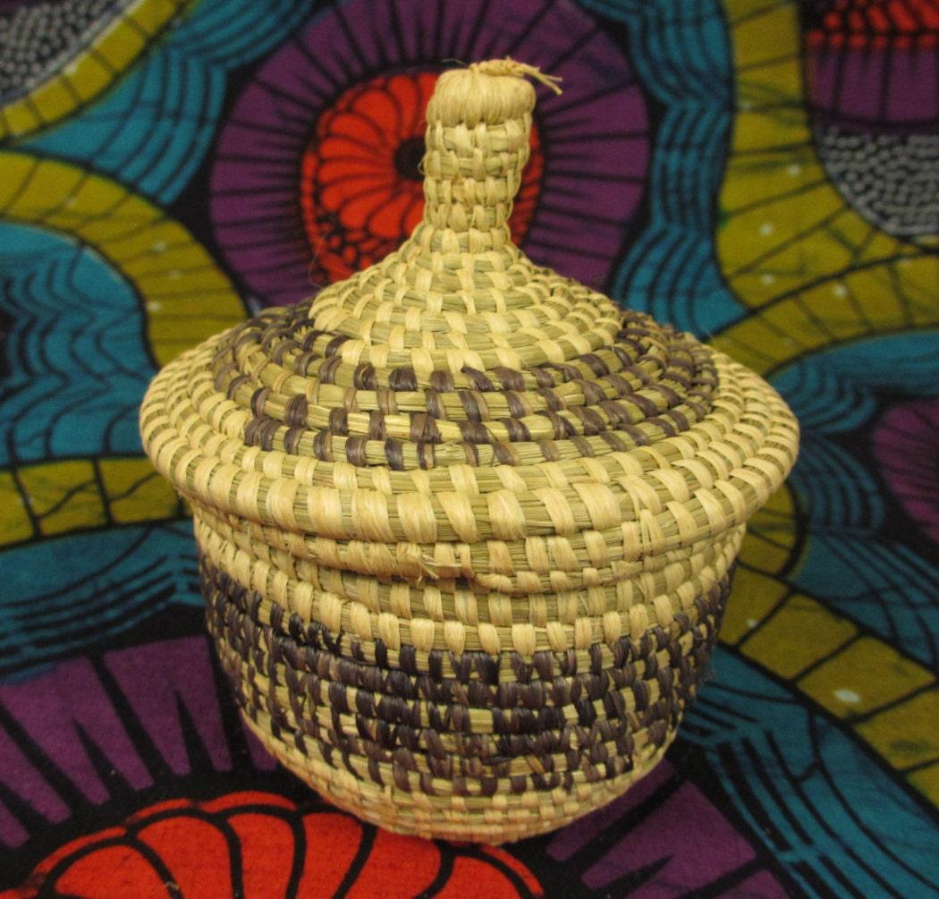small african basket basket with lid woven basket natural. Black Bedroom Furniture Sets. Home Design Ideas
