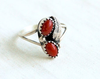 Red Coral Ring Size 6 .75 Vintage Sterling Silver Double Feather Southwestern Boho Jewelry