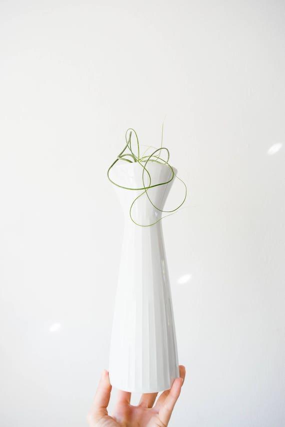 Mid Century Modern Glazed White Porcelain Vase // Wunsiedel // Scandinavian Modern Home Decor