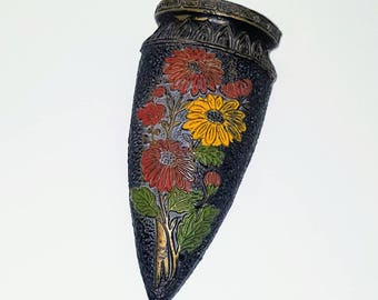 Antique vintage Tokanabe wall pocket  / 20s arts crafts mission home decor / floral black stipple / wall hanging / Japan cone planter