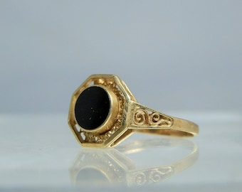 14k Yellow Gold Onyx Ring Size 7 Filigree Made In Holland Nice Vintage Ring DanPickedMinerals