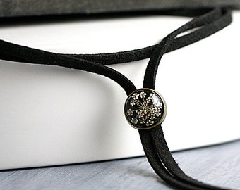 Real flower choker necklace. Black suede with real dried Queen Anne's lace in resin. Bolo wrap convertible choker necklace for her.