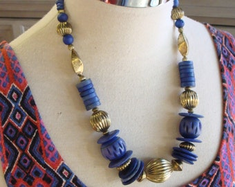 COBALT BLUE WOODEN bead chunky statement necklace 80's 90's