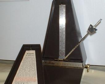 Vintage Metronome de Maelzel by Seth Thomas Clock Co. Conductor Model, Restored, Calibrated, Runs Great. Has Solid Metal Trim, Plastic Case