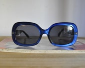 90s does 60s Vintage Electric Blue Square Sunglasses
