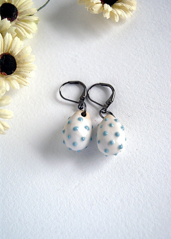 porcelain earrings - light blue dots