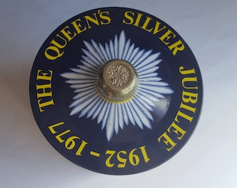 Huntley and Palmer, Silver Jubilee Biscuit Tin