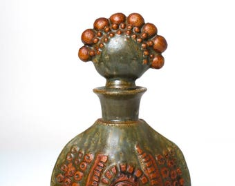 Vintage Bernard Rooke studio pottery decanter, 60s 70s English mid century modernist brutalist stoneware sculpture