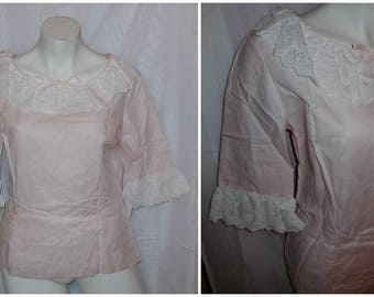 SALE Vintage 1950s 60s Blouse Pink Cotton Unworn White Eyelet Lace Ruffle Collar Sleeves so cute! Mod M chest to 38 in
