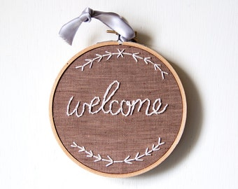 Rustic Welcome Embroidery, Embroidery Hoop Art, Welcome Sign, Farmhouse Style, Cottage Decor, Hoop Art, Home Decor, Housewarming, Wedding