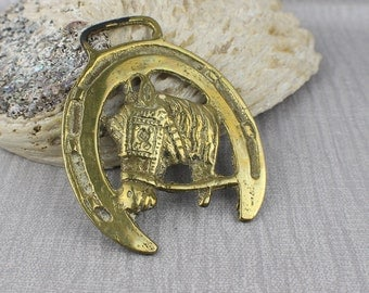 Small Round Horseshoe Abstract Horse Head Side Profile View Horse Brass Hanging Ornament