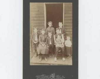 Siblings: Victorian Cabinet Card 1800s, Edwards Studio, Pittsburgh, PA (71549)
