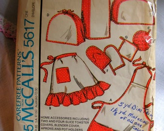 Kitschy Kitchen Accessories include Apron Toaster and Blender Covers Pot Holders McCalls 5617 vintage 1970s cut used complete sewing pattern