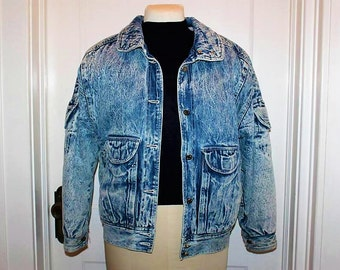 SALE! Vintage IZZI Designer Acid Wash Stylish Fashion Forward Denim Fully Lined Jacket LC1