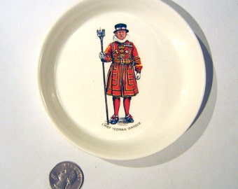 Vintage RWL Decorative Plate - Wall Hung, with Tower of London 'Chief Yeoman Warder'