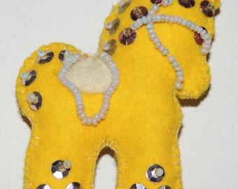 1950s Yellow Felt Horse Brooch