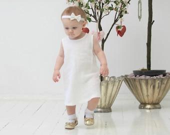 Baby girl dress Todler girl linen dress A line dress White linen dress Baby girl tunic dress 1st Birthday dress Flower girls dress