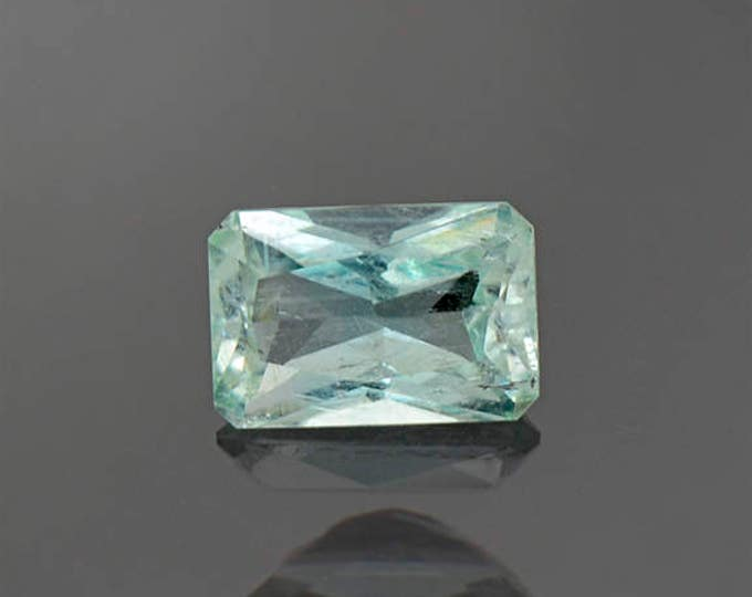 UPRISING SALE! Beautiful Mint Green Emerald Gemstone from Colombia 0.97 cts.
