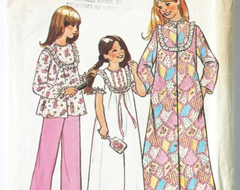 Vintage Sewing Pattern 1970s Girls Nightgown, Robe and Pajama Set  Size 8 Simplicity 7202