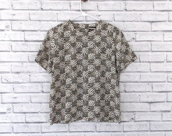 WILD THINGS - Notations Short Sleeved Animal Print Blouse