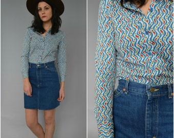 1970s blue floral button down blouse