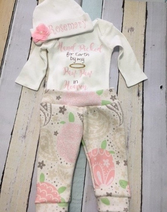 New born baby girl outfit,  Hat, body suit. leggings.  Size 0 to 3 months. Hand picked for earth by my paw paw in heaven saying in iron on.