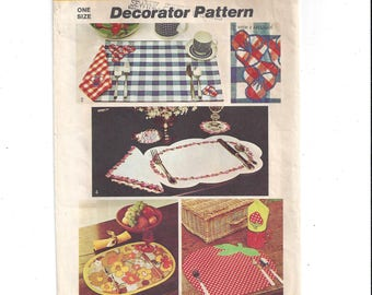 Simplicity 5473 Pattern for Place Mats, Napkins, Coaster, Napkin Ring & Transfers, from 1972, Vintage Pattern, Home Decorator Pattern
