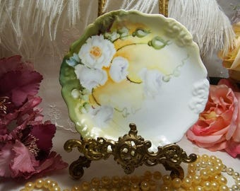 "ANTIQUE, Artist Signed, R. C. Bavaria Pensee White Rose 6 1/4"" Plates circa 1891-1904"