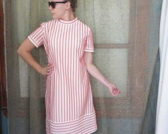 1960s White Red Ribbed Shift Dress Striped Dress 60s Mod Dress Vintage White Dress Classic 60s Dress Twiggy Dress 60s Shift Dress Mad Men