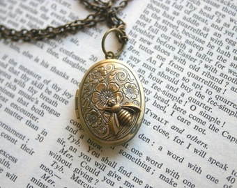 Bee Locket Necklace Antique Gold Brass Oval Photo Locket Hidden Message Woodland Boho Picture Queen Bee, Rustic, Sweet as can Bee!