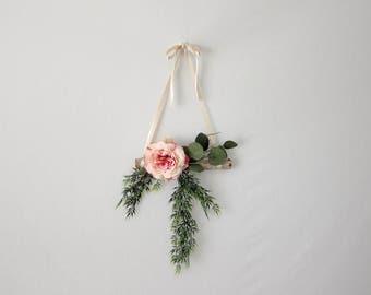 Front Door Wreath - Spring Wreath - Modern Minimalist Wall Hanging - Housewarming Gift