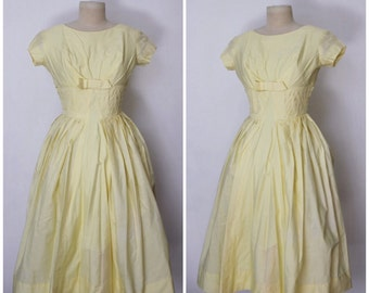 Vintage 1950s Dress | 50s Yellow Dress | Full Skirt Dress | 1950s Light Yellow Bow Dress