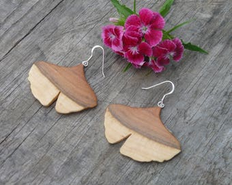 Wood Ginkgo leaf earrings, Dangle drop Ginkgo earrings, Nature inspired jewelry, Earthy earrings, Ginkgo leaf jewelry, Nature lover earrings