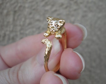 Hugging Cat Ring. Artist Orginal Work. Animal Wrap Ring. Boho Animal Ring. Cat Lady. Gold Animal Ring. Gold Cat Ring. Cat Jewelry