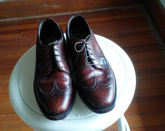cognac wingtips vintage florsheim 8 1/2 D mens brogues imperial oxford dark brown burgundy classic menswear