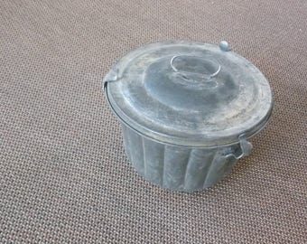 VINTAGE LISTING: Metal Pudding Cake Tin Mold with Lid and Clasps Two Piece Bucket Mold Baking Tin Bundt