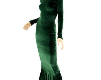 Bewitching Long, Forest Green Velvet Gown with Crew Neckline, Long Sleeves and Puddle Train - 154345