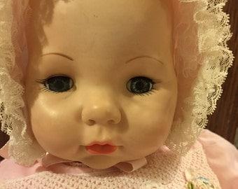 Darling vintage Madame Alexander Victoria baby doll