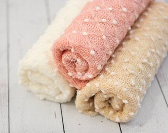 Newborn Pebble Wrap, Newborn Photo Prop, Baby Knit Wrap, Popcorn Wrap, Textured Newborn Wrap Ready to ship Dusty Pink Cream Off White