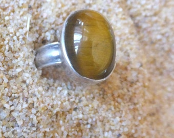 Tigers Eye and Sterling Silver Ring..... size 6 only