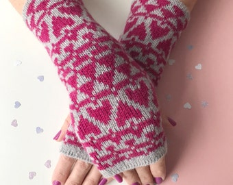 Knitted arm warmers, ladies knitted heart wrist warmers, knit arm warmers, fingerless gloves, lambswool mitts, knitted lambswool, hearts