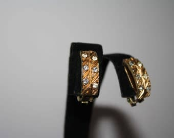Beautiful Gold Toned and Rhinestone Earrings | Vintage |