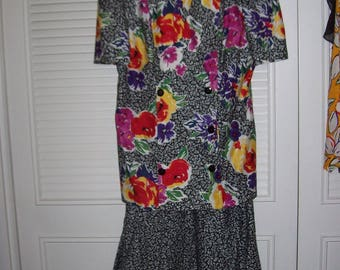 Two Piece Cotton Dress, 80s  Irene Herbert Exciting Flouncy Ruffled  Spring Find Dress Size 10 12, see details