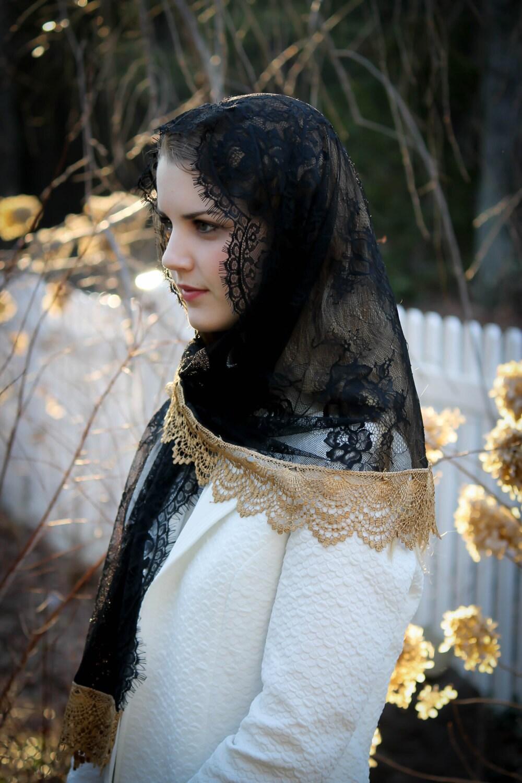 Evintage Veils Black & Gold Spanish Lace Mantilla Chapel Veil